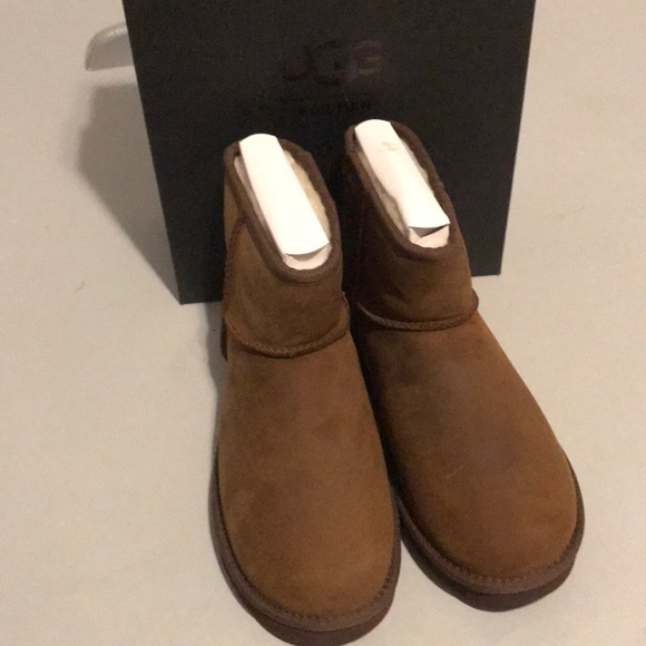 f1e15b0a0f1 Ugg classic mini deco men's boots new Authentic NWT